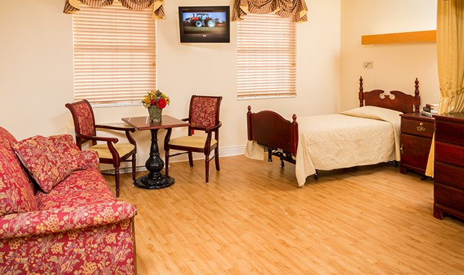 Private room at Valencia Woods at St. Barnabas
