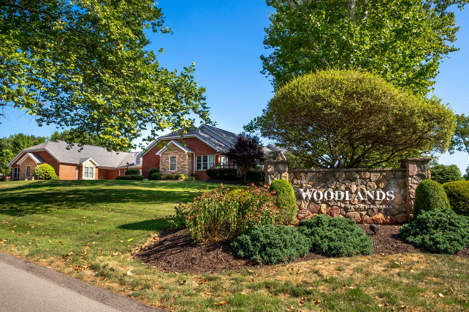 Woodlands-Enrty-with-House-2-web