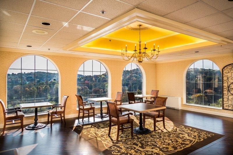 Valencia Woods Dining Room